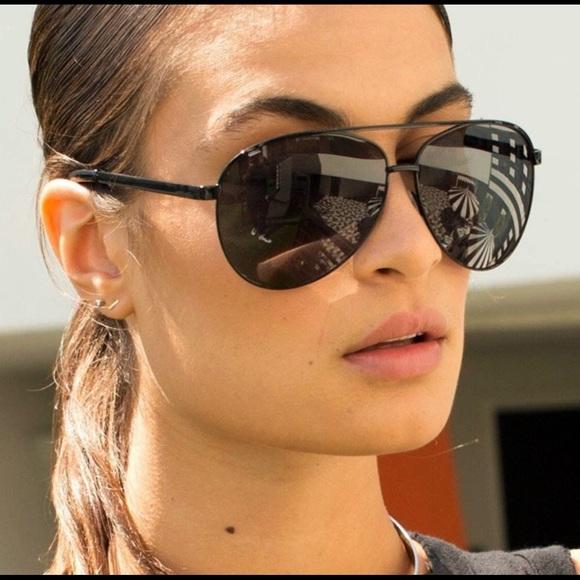 97403b4d2aff0 NWT Quay Vivienne Sunglasses